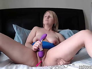 Marvelous sexually excited mother cumming on live livecam